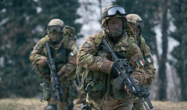 Rangers del Monte Cervino armati di fucili d  assalto CAR M4 S.O.P.MOD.  (Special Operations Peculiar Modification) 7f48db142719
