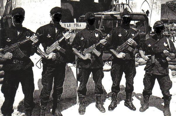 Team del G.O.I. durante il dispiegamento in Somalia del 1992 - 1993 62a003c82966
