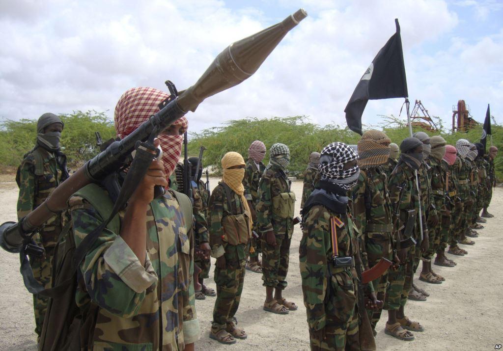 Terroristi Al-Shabaab. Il gruppo potrebbe godere di supporto dall'estero