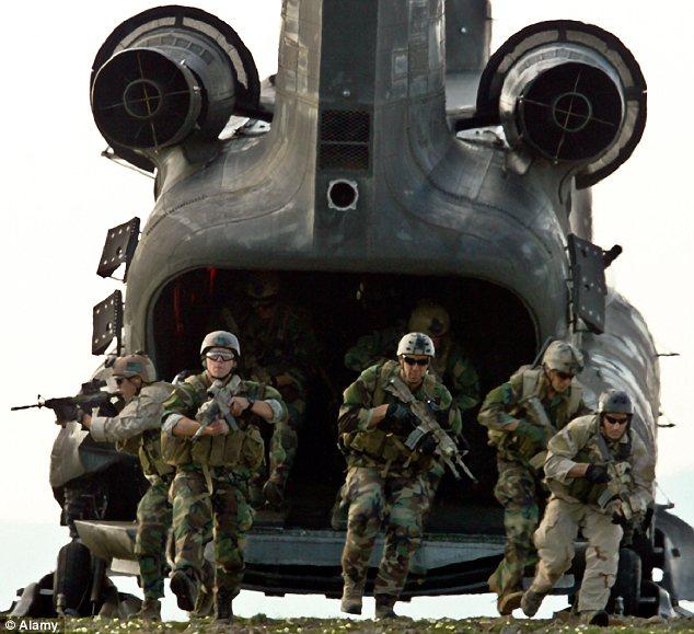 Due dozzine di operatori del SE.A.L. Team Six avrebbero preso parte al raid.