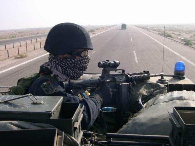 Attivita' di pattugliamento da parte del Tuscania dell'Arma dei Carabinieri.