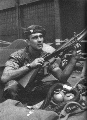 Richard Marcinko, giovane Tenente in Vietnam nel 1967.