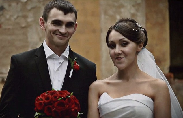 Alexander con la moglie Ekaterina il giorno delle nozze.